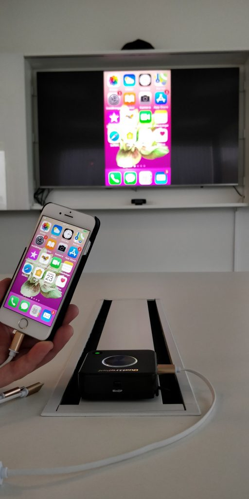 iphone screen mirroring meeting room wireless presentation