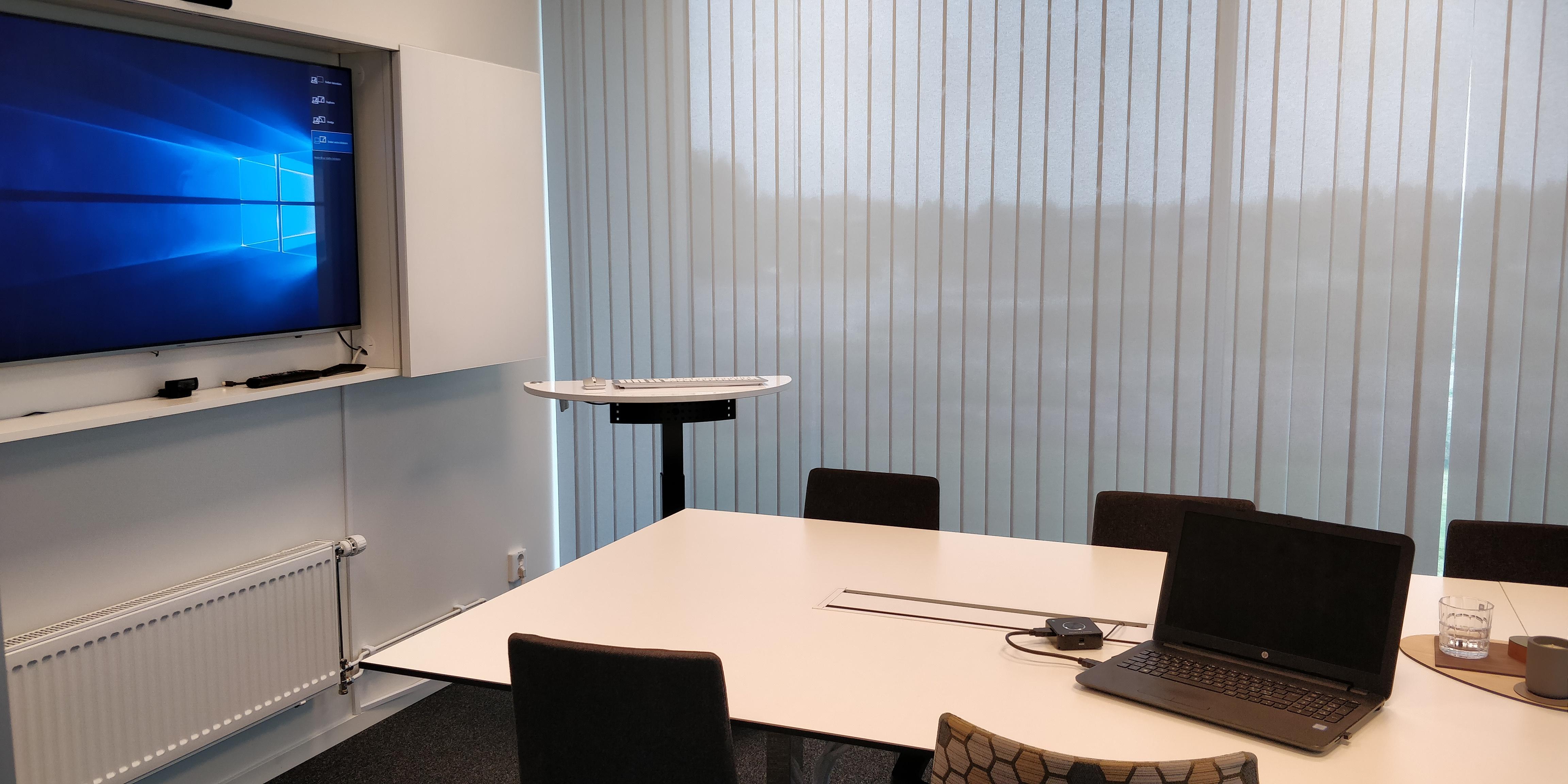 cross platform wireless meeting room quattropod laptop